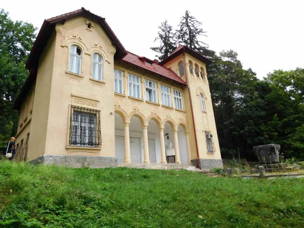 Castelul O. Goga - Ciucea